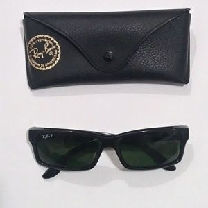 Ray-Ban BLACK POLARIZED ACTIVE WAYFARER